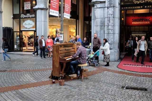antwerpen-meir-shopping-street