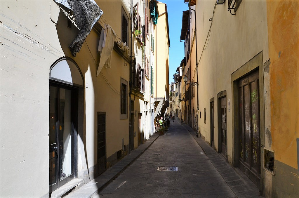 florence-oltrarno-street