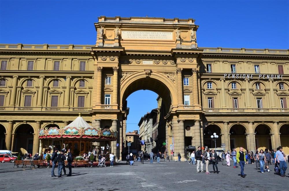 florence-piazza-della-republica