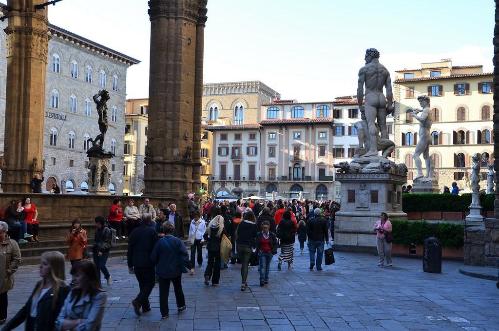 florence-piazza-della-signoria