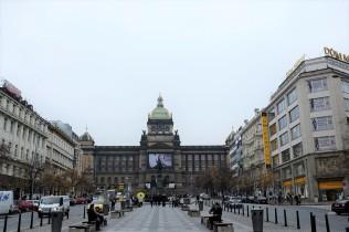 L'immense place Venceslas de Prague