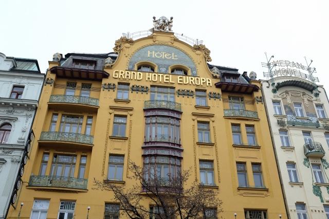 Prague-place-Venceslas-façade-art-déco