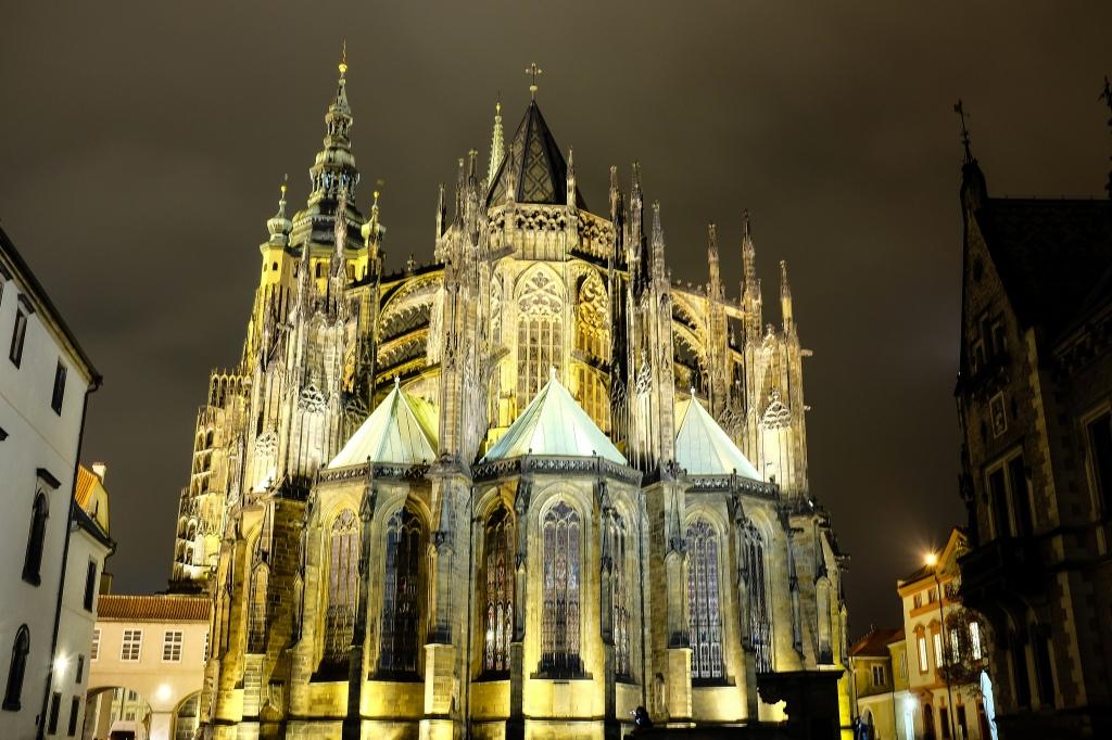 Prague-château-cathédrale-gothique-Saint-Guy