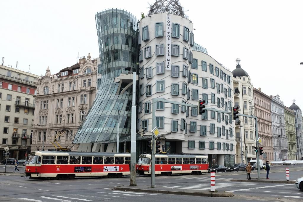 Prague-Ginger-Fred-maison-dansante-Frank-Gehry