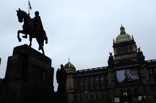 La place Venceslas de Prague avec Le Musée National