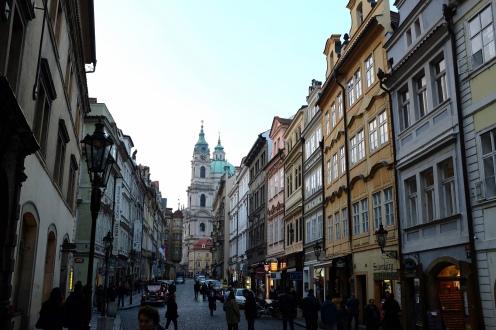 Le quartier Malá Strana de Prague et l'église Saint-Nicolas