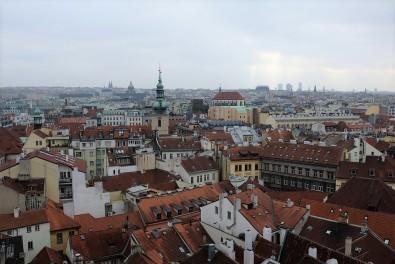 Panorama sur Prague depuis la place de la vieille ville