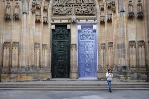 Les portes de la cathédrale Saint-Guy
