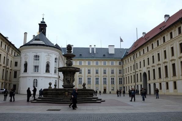 Une cour intérieure du Château de Prague