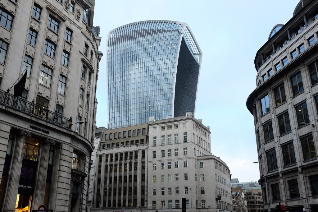 Londres-building-Walkie-Talkie-La City
