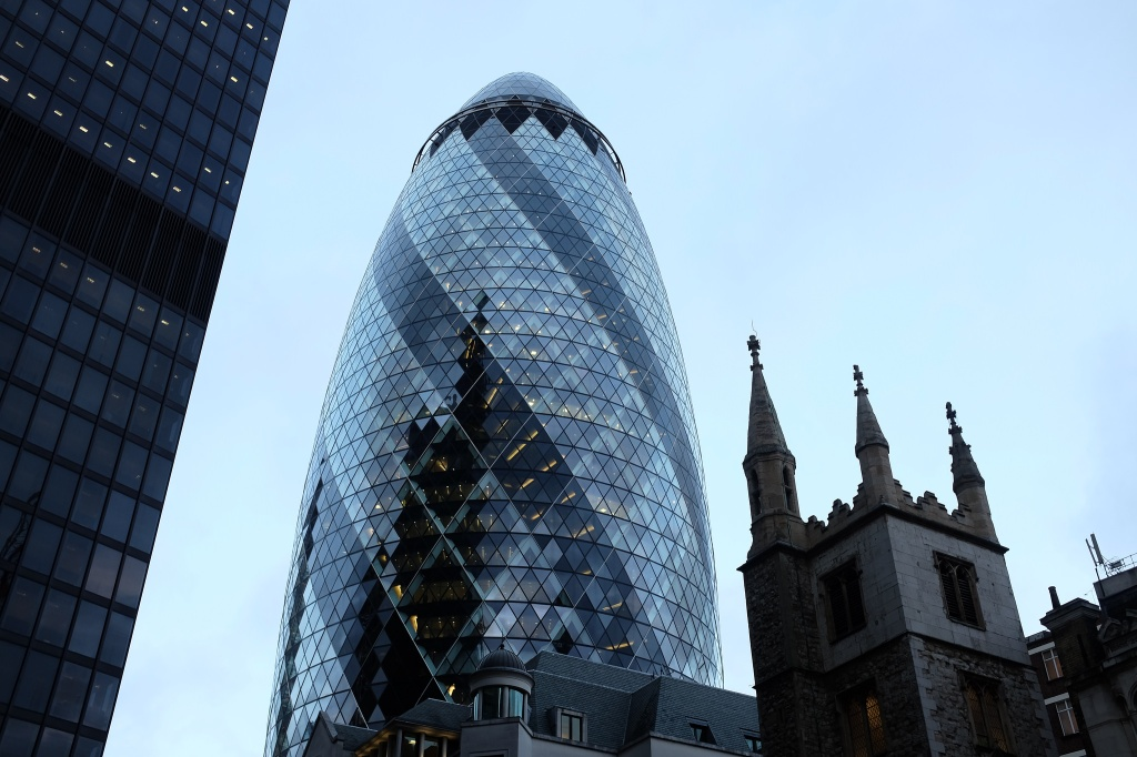 Londres-Gherkin-building-30 St Mary Axe