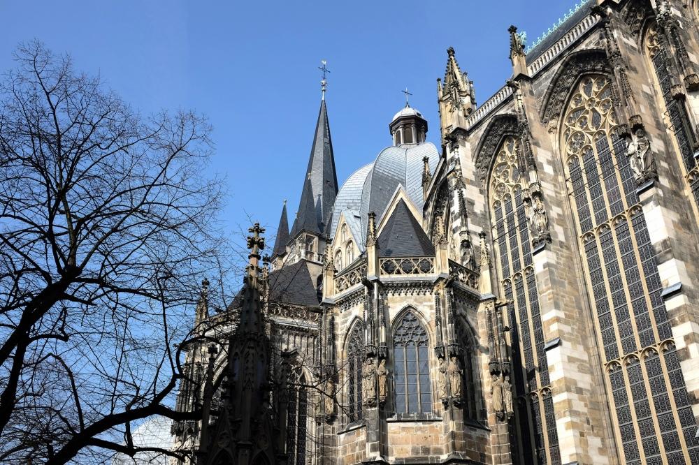 Aix-la-Chapelle-cathédrale-vieille-ville-historique