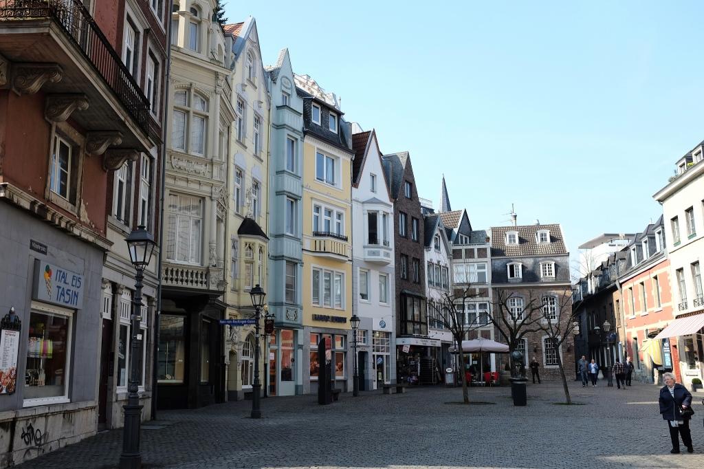 Aix-la-Chapelle-Münsterplatz-cathédrale-vieille-ville-historique