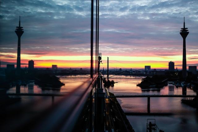 Düsseldorf MedienHafen Rheinturm architecture skyline