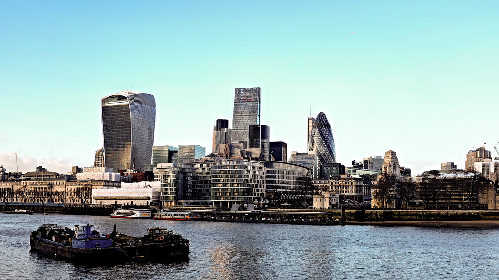 Londres La City buildings The Gherkin The Shard The Walkie Talkie The Lloyd's Buiding Leadenhall Market Tower Bridge