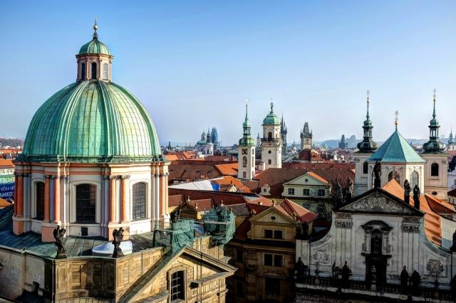 Les toits et les clochers de Prague