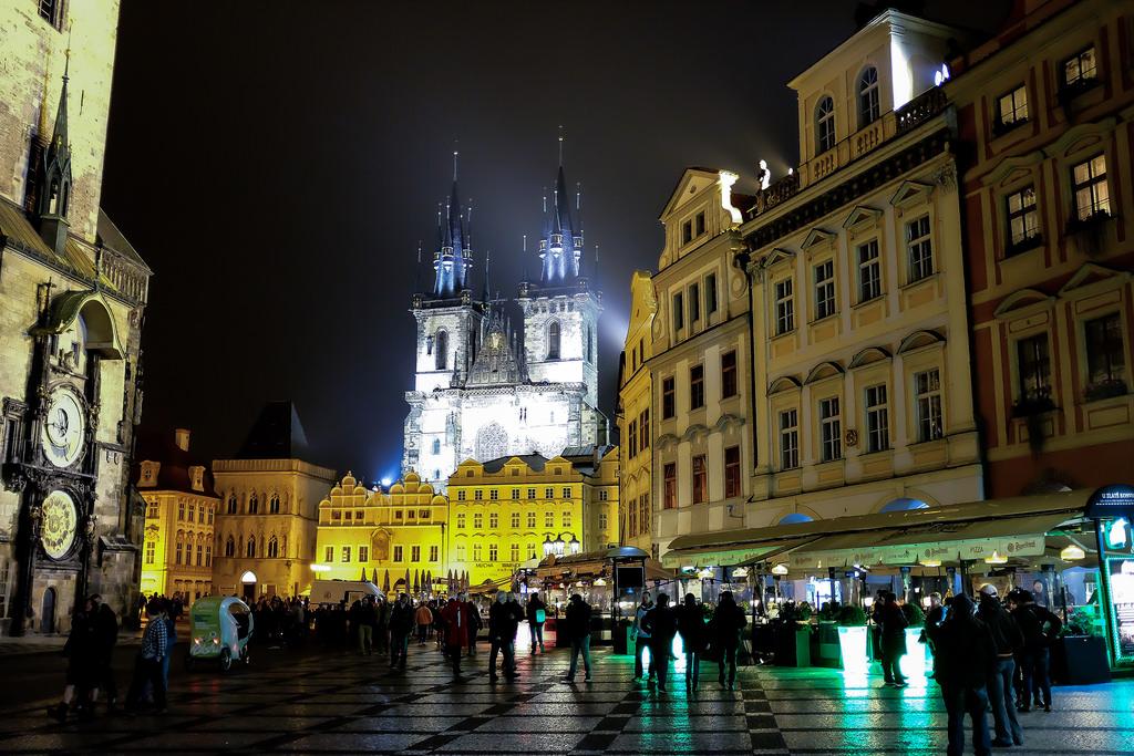 Prague-vieille-ville-cathédraleTýn-Staré-Město-Staroměstské-Náměstí
