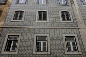 Lisbonne-Alfama-azulejos-fado