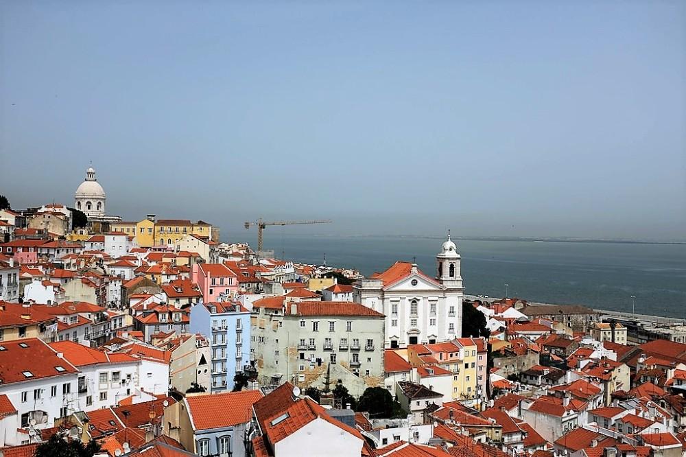 Lisbonne-Miradouro-Portas do Sol-belvédère-Alfama