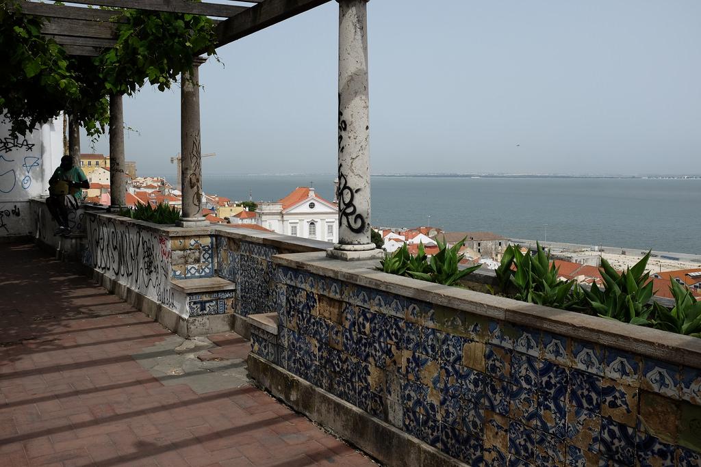 Lisbonne-Miradouro-Santa Luzia-belvédère-Alfama