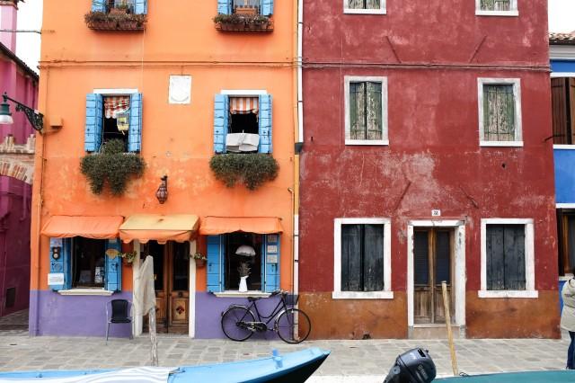 Burano-île-Venise-maisons-colorées