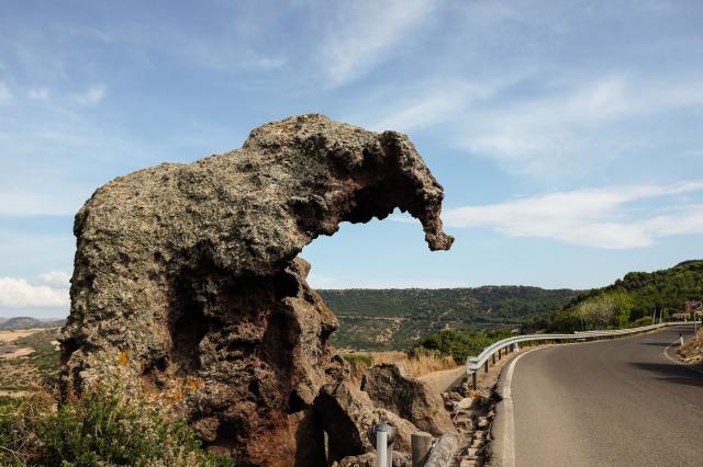 Castelsardo-Sardaigne-rocher-éléphant-Sa Pedra Pertunta