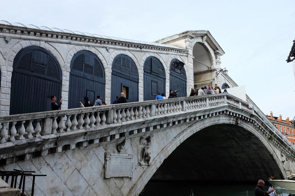 Venise-Rialto-pont-Grand-canal-San Polo
