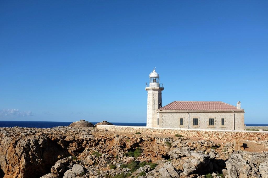 Punta-Nati-Minorque-phare-nord-côte-route