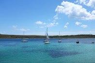 Fornells-Minorque-île-village-pêcheur-baie-sport-nautique