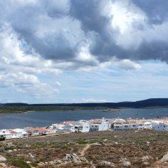 Fornells-tour-village-baie-pêcheur-baie
