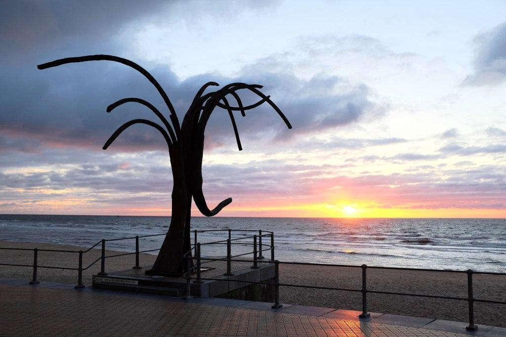 Ostende-sculpture-plage-mer-Belgique