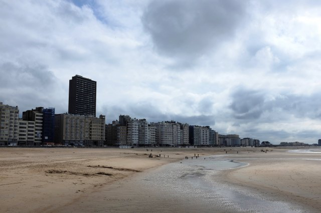 Ostende-plage-mer-béton-immeubles-Belgique
