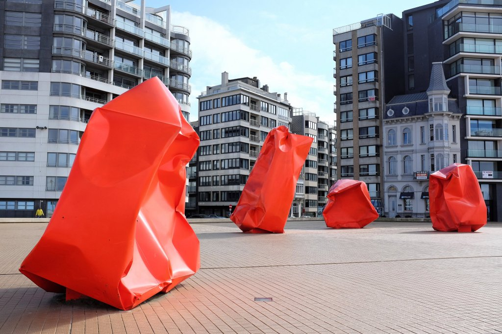 Ostende-Rock Strangers-digue-plage-oeuvre-Arne Quinze