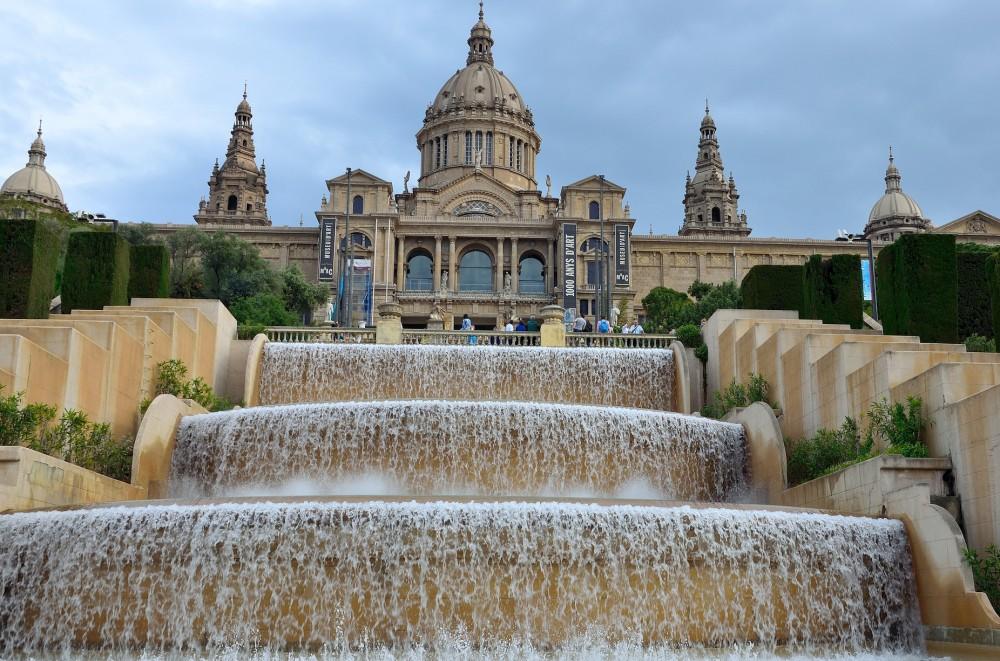 Barcelone-Montjuïc-palais-musée-fontaine