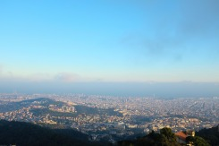 Vue sur Barcelone depuis la montagne du Tibidabo