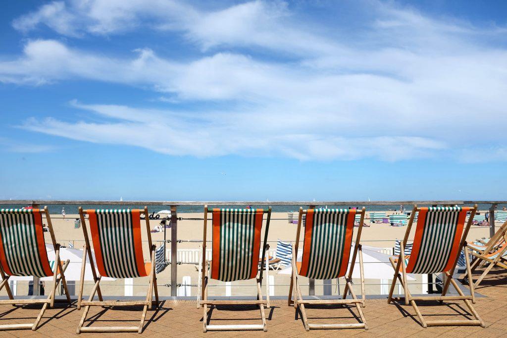 Ostende-plage-transats-promenade-Albert 1er