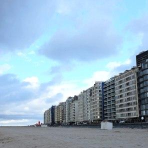 Les immeubles d'Ostende face à la mer
