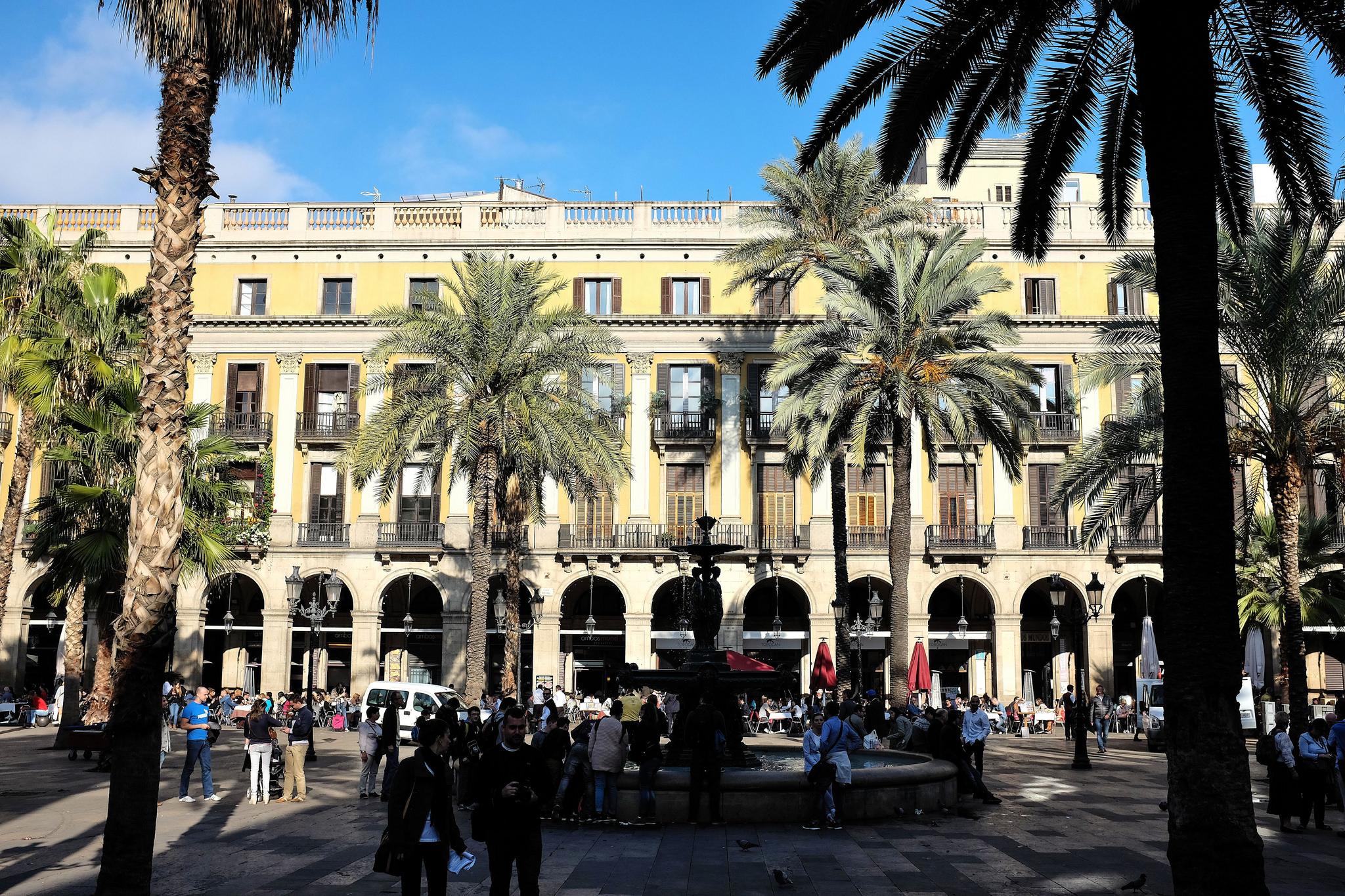 Barcelone la cosmopolite on descend l - Barcelone hotel piscine interieure ...