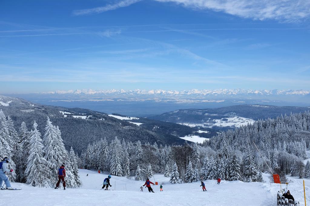 Jura-ski-alpin-nordique-montagne-neige-hiver