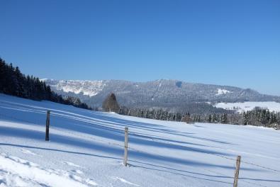 Jura-randonnée-neige-montagne-hiver