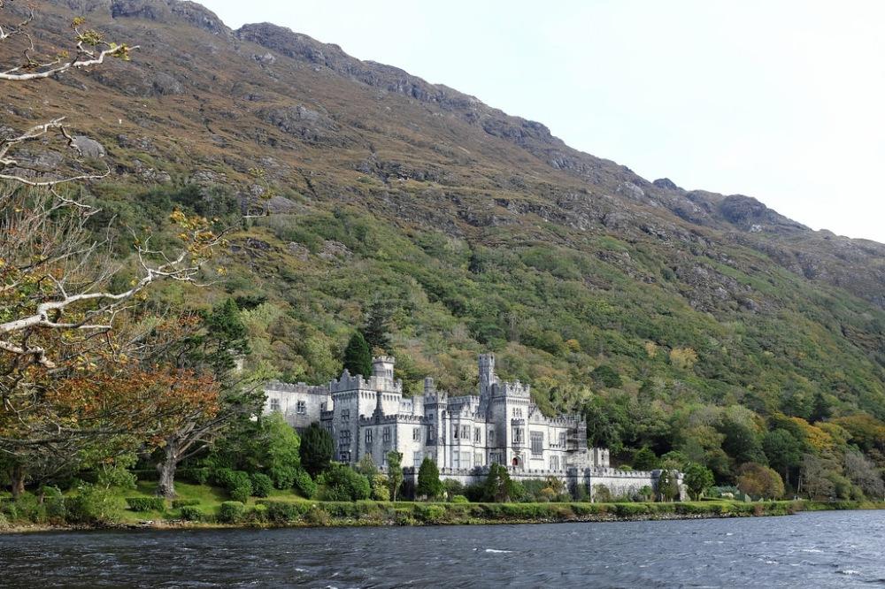 ireland-kylemore-abbey