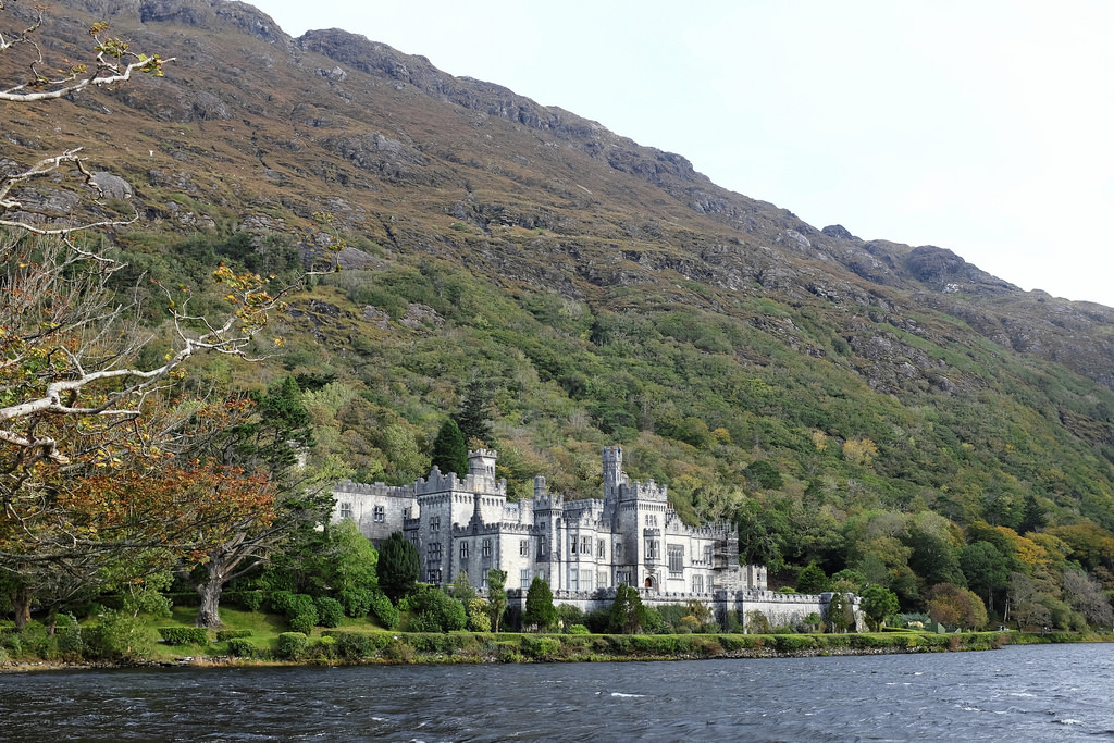ireland-kylemore-abbey