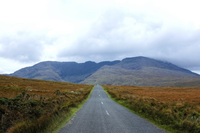 Irlande-comté de Mayo-Doo Lough Valley-Leenane-route-Wild Atlantic Way