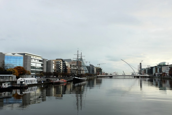 Dublin-Docklands-Liffey-quartier des affaires-architecture moderne