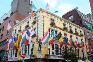 Dublin-Temple Bar-pubs-guinness-rock
