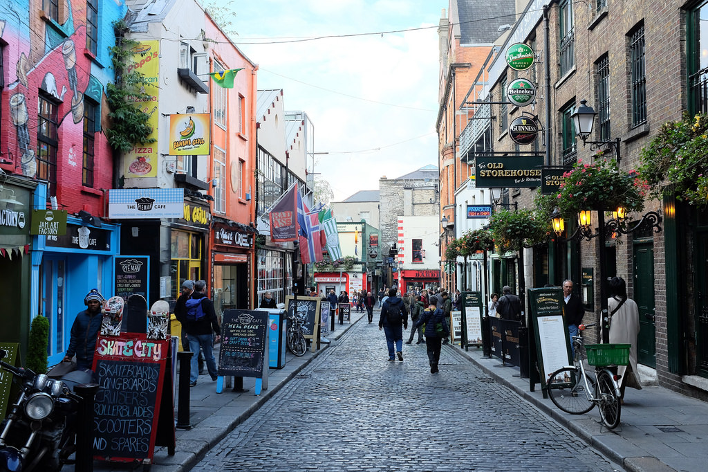 dublin-temple-bar-street