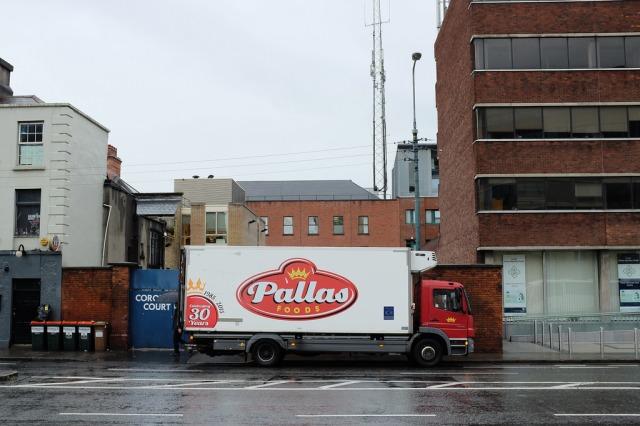 dublin-truck-in-street