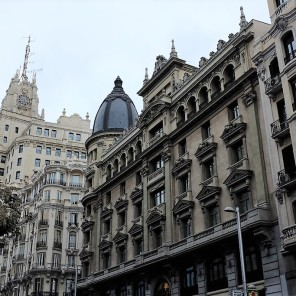 Madrid-Gran Vía-avenue-architecture