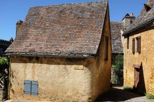 Des maisons à l'architecture typique du Périgord