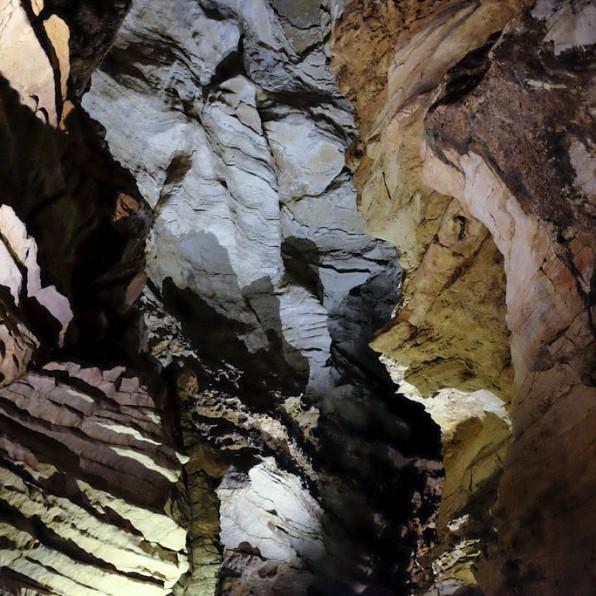 Une grotte située en France dans le Lot